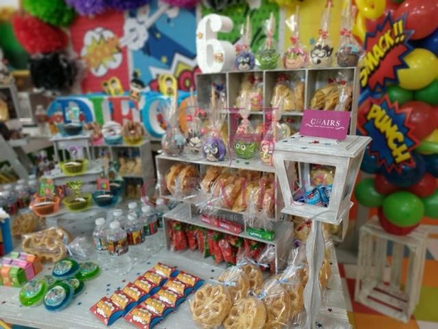 Mesa de dulces Superhéroes